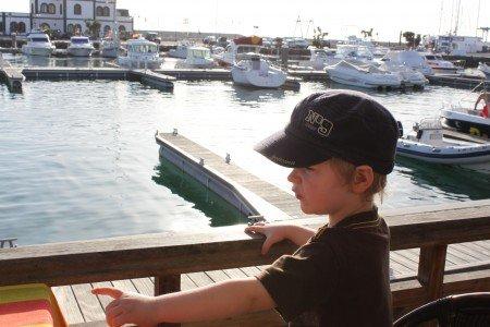 Boote und Schiffe gucken im Yachthafen