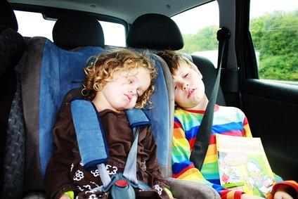 Lange Autofahrten sind für Kinder oft eine Qual. © Sanne Aude/Fotolia.com