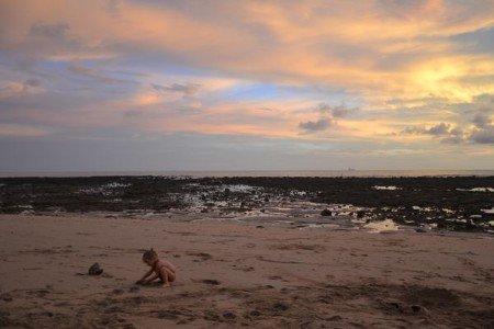 Der Strand bietet unsäglich viele Spielmöglichkeiten