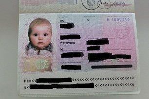 Auch Babys benötigen einen Reisepass mit Lichtbild