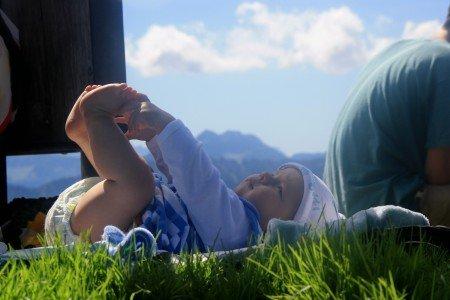 Im Panorama der Alpen gewickelt © Mami-in-Pumps