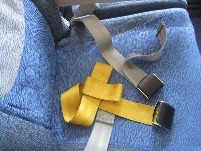 Schlaufengurt im Flugzeug