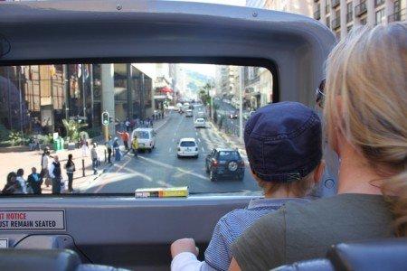 In der ersten Reihe: Entdeckertour mit dem Doppeldeckerbus durch Kapstadt © Kerstin