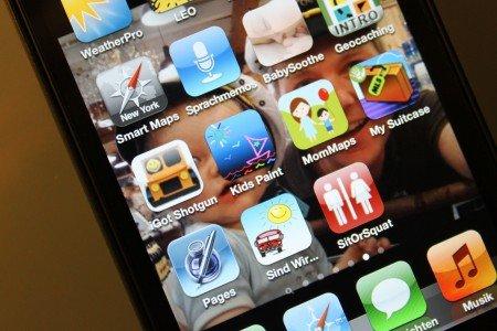 Für iPhone und iPad gibt es viele Reise-Apps für Familien mit Kleinkind