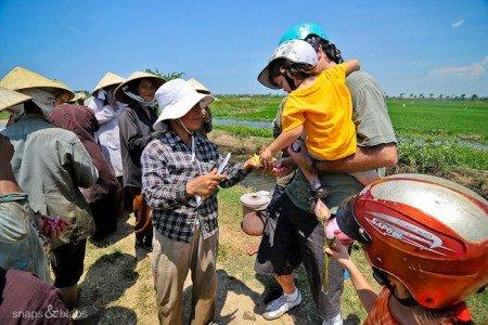 Mittagessen mit vietnamesischen Reisbauern © Snaps and Blabs