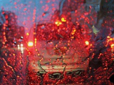 Gewitter während der Fahrt - besser anhalten