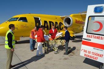 Der sinnvolle Krankenrücktransport sollte in einer guten Auslandsreise-Krankenversicherung enthalten sein