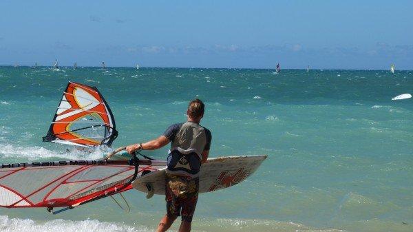 Surfen in Kanaha an der Nordküste