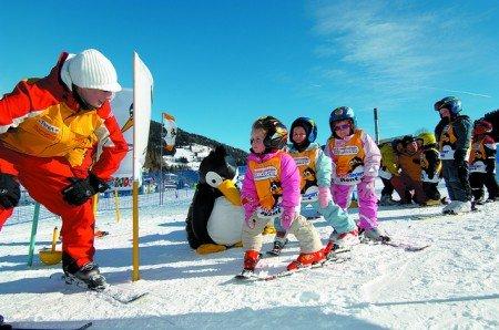 Familienfreundlich: Skischule auch für die Kleinsten