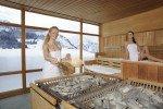 Saunieren mit Alpenblick © Kinderhotel Oberjoch