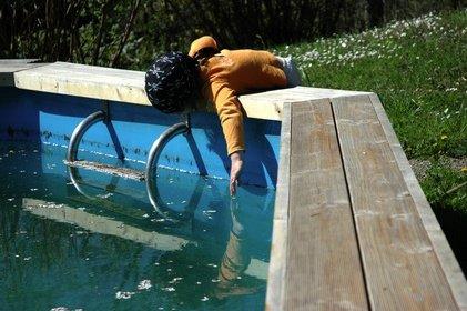 Gefährliches Wasser - Kinder sind immer neugierig