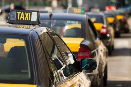 Taxi! Und wie sichert ihr das Baby?