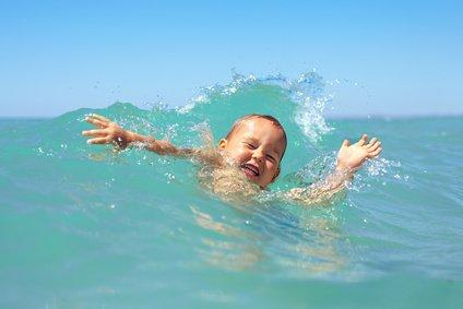 Im tiefen Meer haben Nichtschwimmer nichts zu suchen © olesiabilkei - Fotolia.com