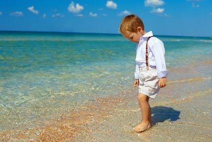 Auch der Uferbereich ist für Kleinkinder ohne Begleitung gefährlich © olesiabilkei - Fotolia.com