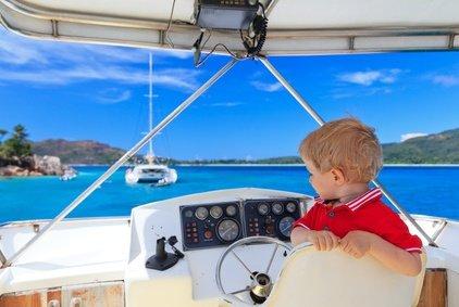 Ins Cockpit dürfen Kinder nur unter Aufsicht