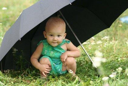 Sonnenschutz ist für Babys lebenswichtig! © Olena-Teslya - Fotolia.com