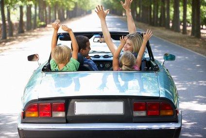 Familienurlaub mit Auto - da ist einiges zu beachten! © Monkey Business - Fotolia.com
