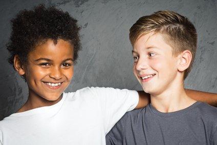 Freundschaft braucht keine Worte - aber es ist cool, wenn man sich verständigen kann © lassedesignen - Fotolia.com
