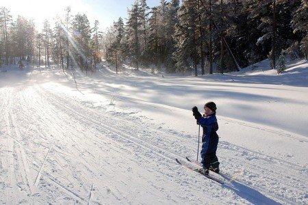 Der Winter in Norwegen ist toll für Familienferien