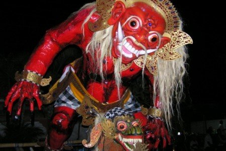 Gruselige Figuren beim Nyepi-Fest auf Bali