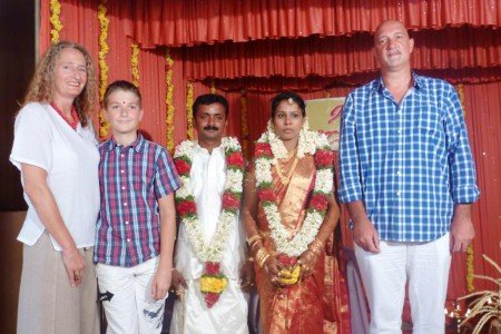"""Als """"riesige"""" Ehrengäste auf einer Hochzeit in Südindien"""