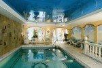 Im Schwimmbad entspannen © Göbel Hotels