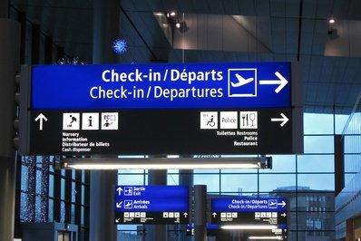 Auch am Flughafen müssen Eltern aufpassen © FMUA - Fotolia.com