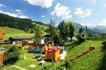 Der Kinderspielplatz lässt Kinderaugen strahlen © Familienhotel Botenwirt
