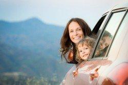 Im Auto mit Baby und Kleinkind reisen - kein Problem