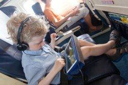Produkte zum Fliegen mit Baby und Kind: praktisch oder überflüssig?
