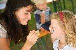 Ausgebildete Kinderbetreuer sorgen für ein buntes Programm © Sonnenhotels