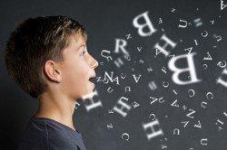 Mit einem kleinen Reisewortschatz knüpfen Kinder schneller Kontakte