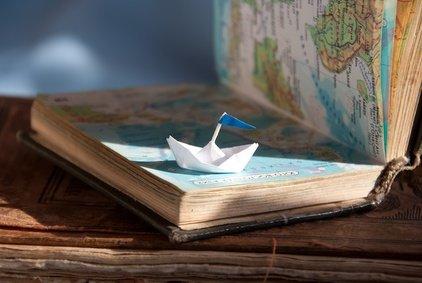 Unsere Buchtipps für Eltern entführen euch in ferne Länder © mudretsov - Fotolia.com