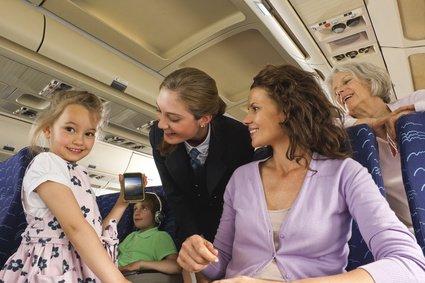 Handys und elektronische Geräte werden am häufigsten im Flugzeug vergessen