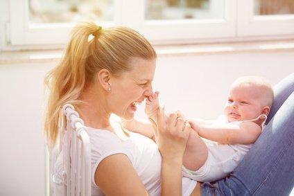 Mit Fingerspielen könnt ihr schon die Allerkleinsten bespaßen © drubig-photo - Fotolia.com