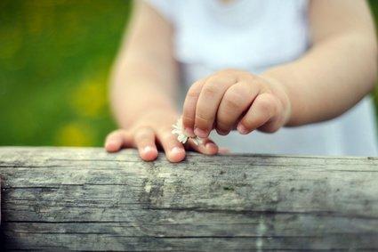 Fingerspiele trainieren Wahrnehmung, Feinmotorik und viele andere Fähigkeiten © ilfotokunst - Fotolia.com