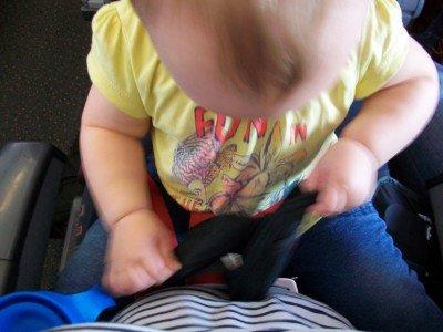 Im Loop Belt kann das Kind sitzen, wie es will – sicher ist das aber nicht!