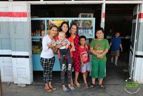 Einheimische Familie in Sumatra