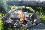 Stockbrot grillen am Lagerfeuer © Nicky2