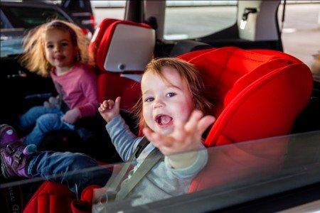 Zum Thema Autokindersitz haben Eltern viele Fragen