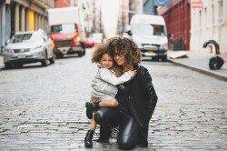 Alleinreisende mit Kind müssen beim Grenzübertritt einiges beachten