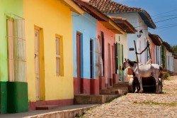 Bunte Häuser gibt es auf Kuba zu entdecken