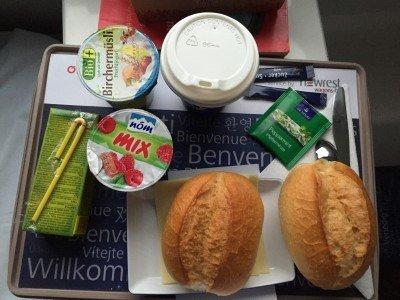 Das Frühstück im Nachtzug kann sich sehen lassen