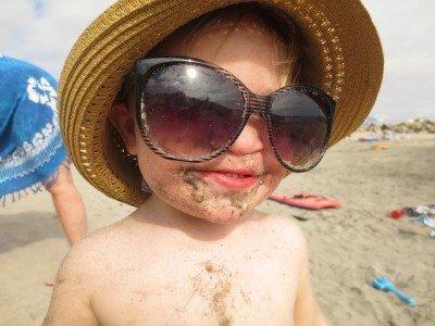 Sonnencreme und Sand sind keine gute Kombination