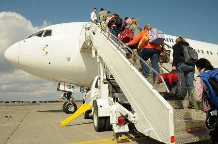 Vor dem Abflug gibt es für Familien eine Menge zu checken © Wikimedia Commons/US Navy