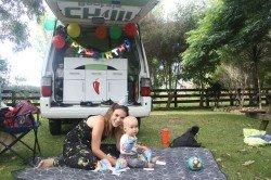 Reisen mit Kind ist dank der erstklassigen Ausstattung aller Chilli Rentals Fahrzeuge kein Problem.