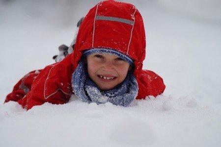 Schnee ist toll, aber auch kalt © Pixabay