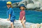 Spielplatz Natur auf den Iles Lavezzi (Tour 27 aus dem Buch »Korsika mit Kindern«) © Naturzeit Verlag