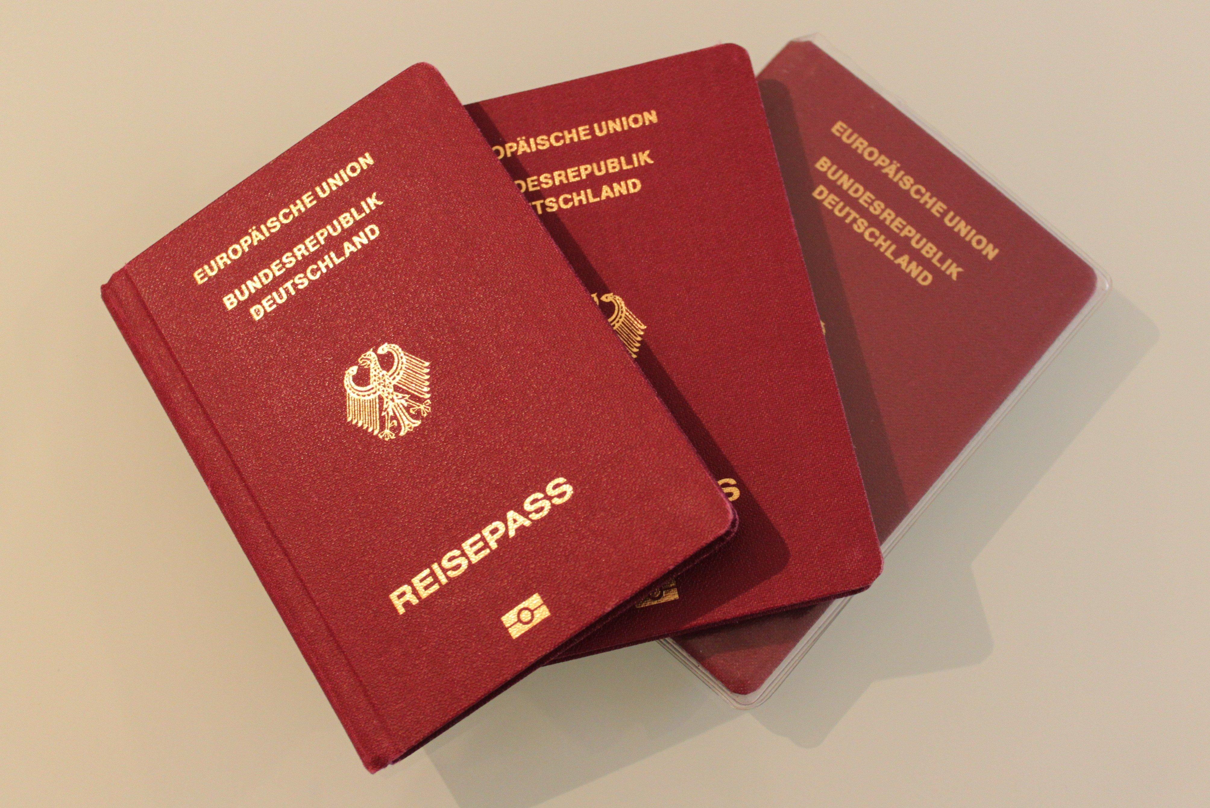 Auch Babys und Kleinkinder benötigen für Reisen ins Ausland bereits ein gültiges Reisedokument © KidsAway