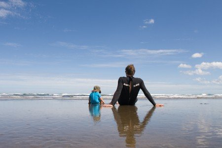 Endless Surfing in Muriwai
